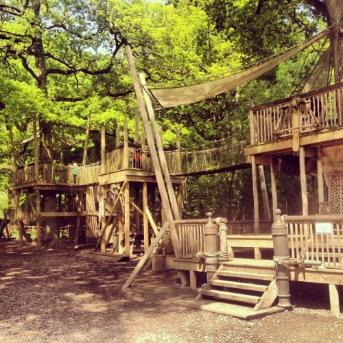 the crusoe's world climbing frame at Groombridge Place