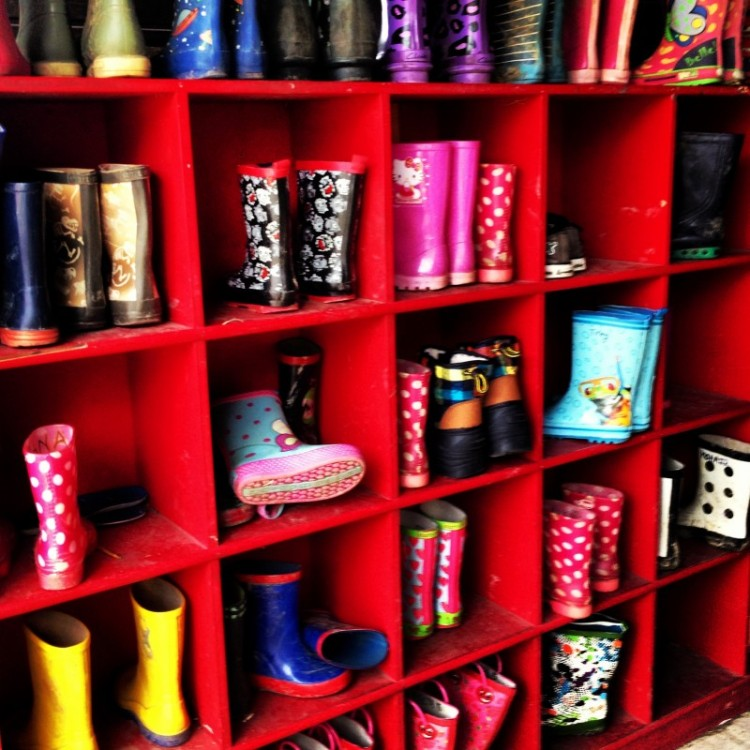 childrens-boots-in-cubby-holes