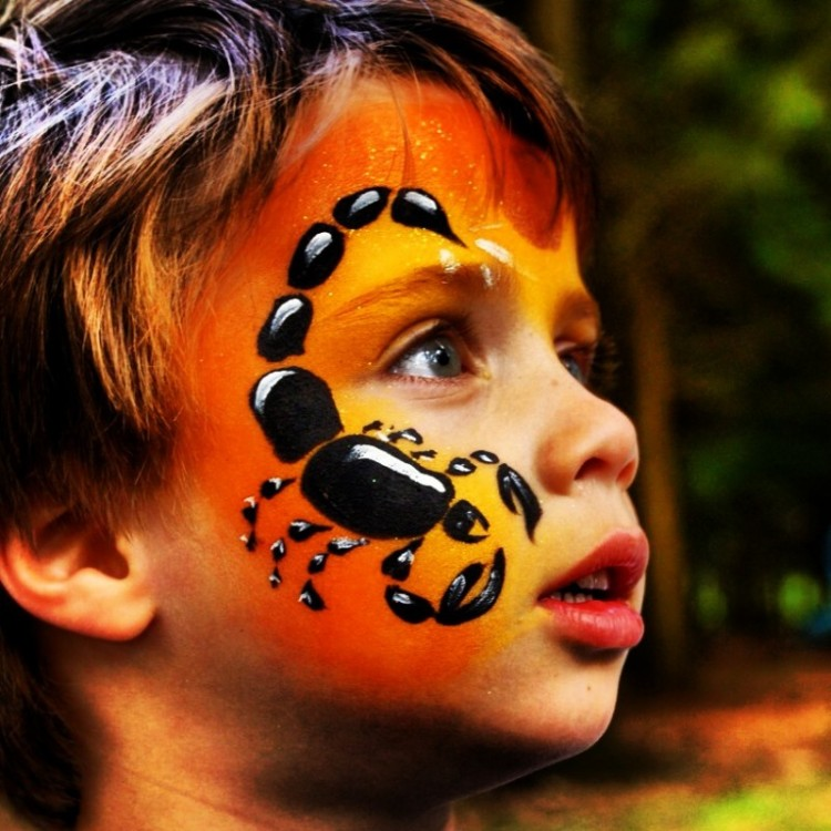 little-boy-with-facepaints