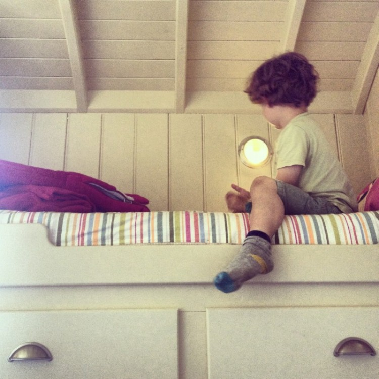 child-in-a-bunk