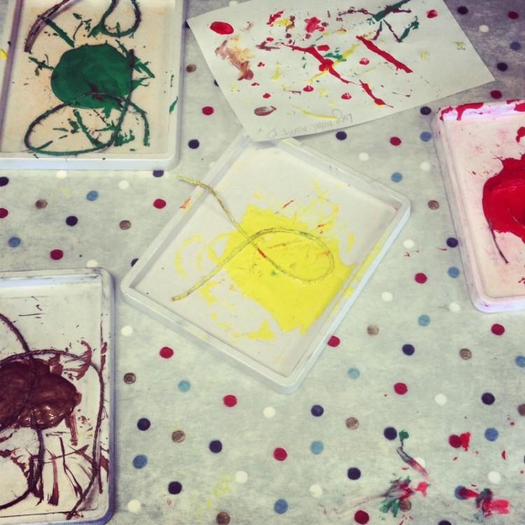 childrens-paint-palettes