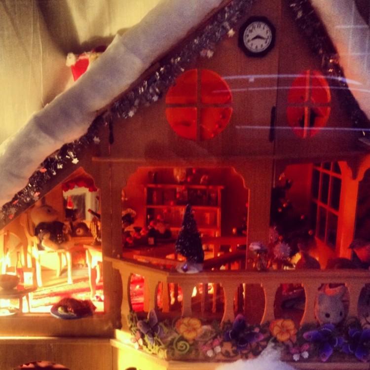 christmas-dollhouse