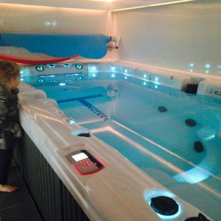 family hot tubbing at giles leisure hydrotherapy centre. Black Bedroom Furniture Sets. Home Design Ideas